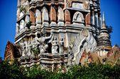 Ayutthaya, tailandia: wat racha burana centro prang — Foto de Stock