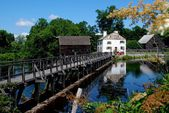 Sleepy Hollow, NY: Mill Pond Bridge at Philipsburg Manor — Stock Photo