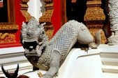 Chiang Mai, Thailand: Stone Dragon at Wat Bupparam — Stock Photo