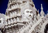 Bangkok, tayland: wat rajapradit buda'nın yüzüne — Stok fotoğraf