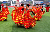 China: Women Performing Flamenco Dance Routine — Stock Photo