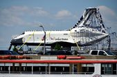 NYC: Space Shuttle Enterprise at Intrepid Museum — Stock Photo