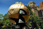 NYC: The World Trade Center Sphere Sculpture — Stock Photo