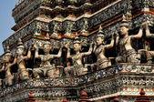 Bangkok, Thailand: Kinnaree Figures at Wat Arun — Stock Photo