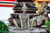 Bangkok, Thailand: Carved Thai Figures at Wat Pho — Stock Photo
