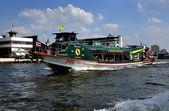 Bangkok, Thailand: Water Taxi on Chao Praya River — Stock Photo