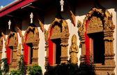 Chiang Mai, Thailand: Gilded Windows at Wat Phan On — Stock Photo