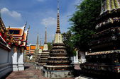 Bangkok, Thailand: Row of Chedis at Wat Pho — Stock Photo