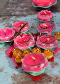 Pengzhou, China: Pink and Yellow Votive Candles at Chinese Temple — Stock Photo