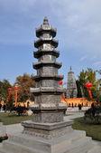 Pengzhou, china: pedra pagode no mosteiro de xing long — Foto Stock