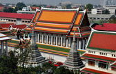 Bangkok, Thailand: Monastic Quarter and Ubosot Hall at Wat Arun — Stock Photo