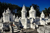 Chiang Mai, Thailand: Reliquary Tombs at Wat Suan Dok — Stock Photo