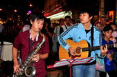 Chiang Mai, Thailand: Musicians Entertaining on Walking Street — Stock Photo