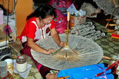 Chiang Mai,Thailand: Woman Crafting Paper Parasol — Stock Photo