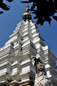 Chiang Mai, Thailand: White Stepped Chedi at Wat Mun Toh — Stock Photo