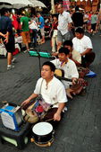 Chiang Mai, Thailand: Four Blind Musicians at Sunday Walking Street Market — Stock Photo