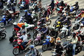 Bangkok, Thailand: Motorcycle and Moped Riders Waiting for Green Light — Stock Photo