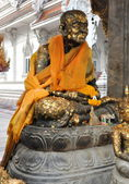 Bangkok, Thailand: Statue of a Monk at Wat Hua Lampong — Stock Photo