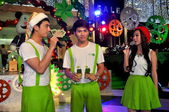 Bangkok, Thailand: Entertainers at Amarin Shopping Center — Stock Photo