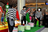 Bangkok, Thailand: Acrobatic Mimes at Terminal 21 Shopping Center — Stock Photo