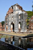 Lopburi, Thailand: Royal Warehouse Ruins at Wat Phra Narai Rachanivej — Stock Photo