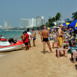 Pattaya, Thailand: People on PattayBeach — Stock Photo #39291975