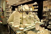 Pattaya, Thailand: China Dinnerware Display at Festival Shopping Mall — Stock Photo