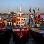 Bang Saen, Thailand: Fishing Boats at Sapan Pla Pier — Stock Photo