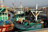Bang Saen, Thailand: Thai Fishing Boats at Sapan Pla Pier — Stock Photo