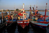 Bang Saen, Thailand: Fishing Boats at Sapan Pla Pier — Stock Photo