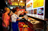 Pattaya, Thailand: People Choosing Seafood at Restaurant — Stock Photo