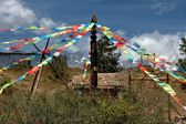 Ljiang Twp, China: Prayer Flags at Dongba Cultural Village — Stock Photo