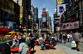 NYC: Bustling Times Square — Stock Photo