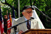 NYC:  Dr. George Chall at Memorial Day Ceremonies — Stock Photo