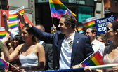 NYC: Gov. Andrew Cuomo Marching in 2014 Gay Pride Parade — Stock Photo