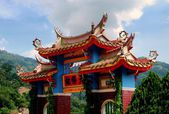 Penang, Malaysia: Gate at Kek Lok Si Temple — Stock Photo