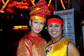Batu Ferringhi, Malaysia: Show Performers — Stock Photo