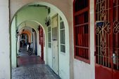 Georgetown, Malaysia: Covered Aracades on Jalan Penang — Stock Photo