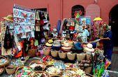 Melaka, Malaysia:  Souvenir Vendor in Stadthuys Square — Stock Photo