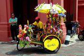 Melaka, Malaysia: Tri-shaw Taxi at Christ Church — Stock Photo