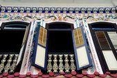 Melaka, Malaysia: Ornate House Facade and Windows — Stock Photo