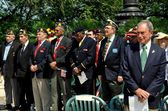 NYC: Mayor Michael Bloomberg and Veterans at Memorial Day Service — Stock Photo