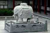 Xi'an, China: Stone Elephant at Wild Goose Pagoda Temple — Stockfoto