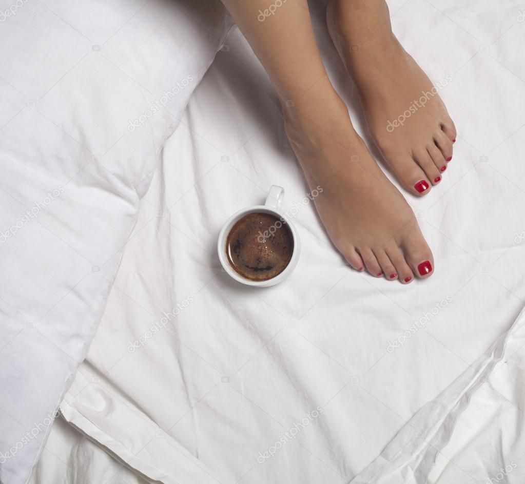 Caff a letto foto stock nikilitov 34601843 for Piani domestici di 2000 piedi quadrati