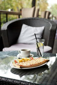 Breakfast in a cafe — Stockfoto