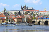 Prohlédni na gotický hrad pražský karlův most, česká republika — Stock fotografie