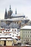 Romântico nevado gótico Castelo de Praga, República Checa — Fotografia Stock