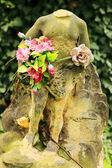 каменная скульптура человека из старое кладбище прага, чешская республика — Стоковое фото