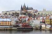 First Snow in Prague City, gothic Castle above the River Vltava — Stock Photo