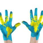 Karte auf Hände gemalt. Konzept rette die Welt — Stockfoto
